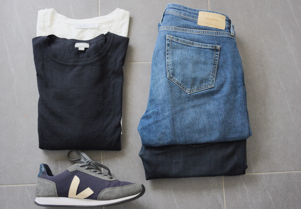 Basics: Jeans, Pullover, Sneakers