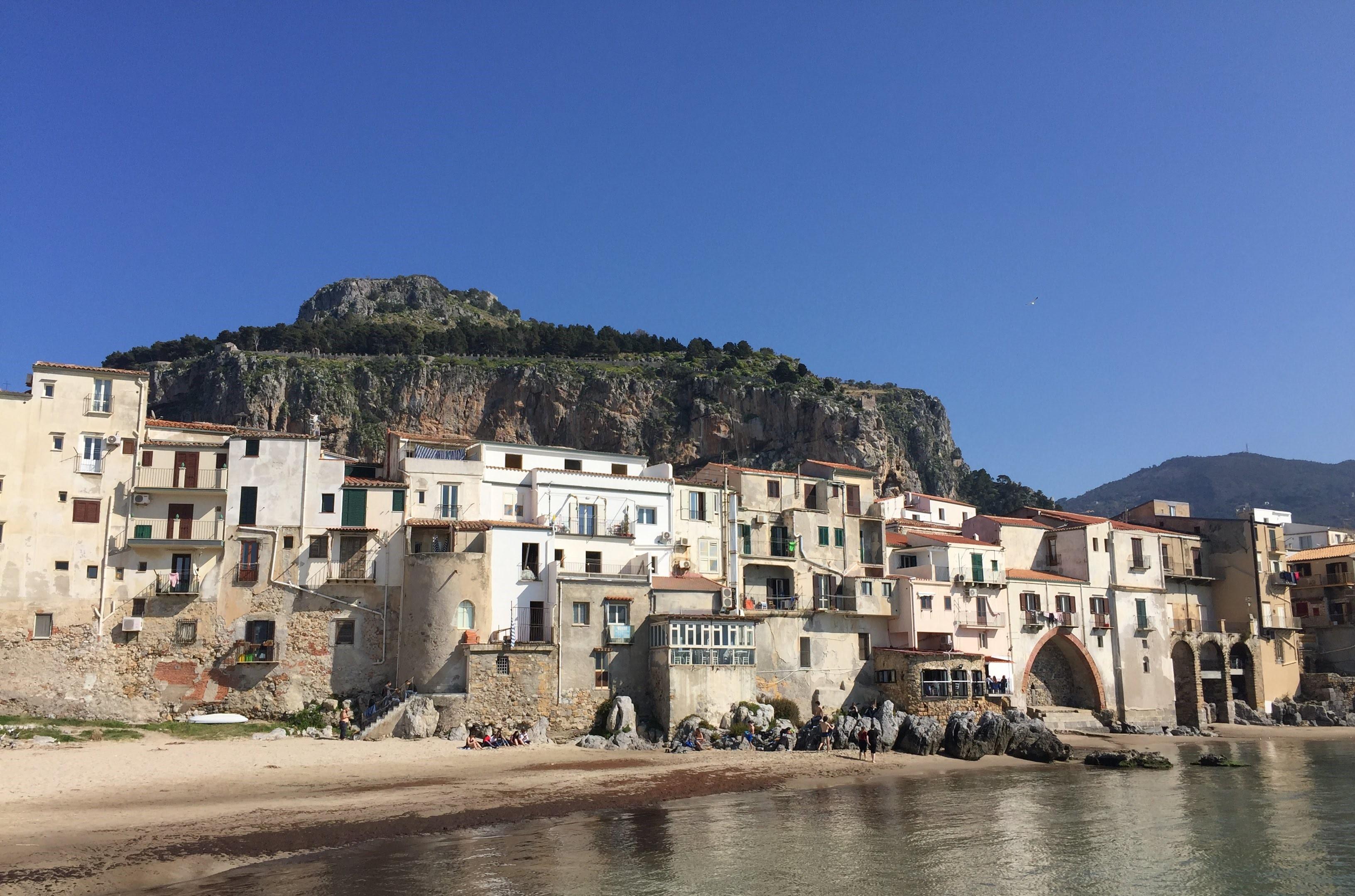Cefalu sollte bei jedem Sizilien-Urlaub dabei sein!