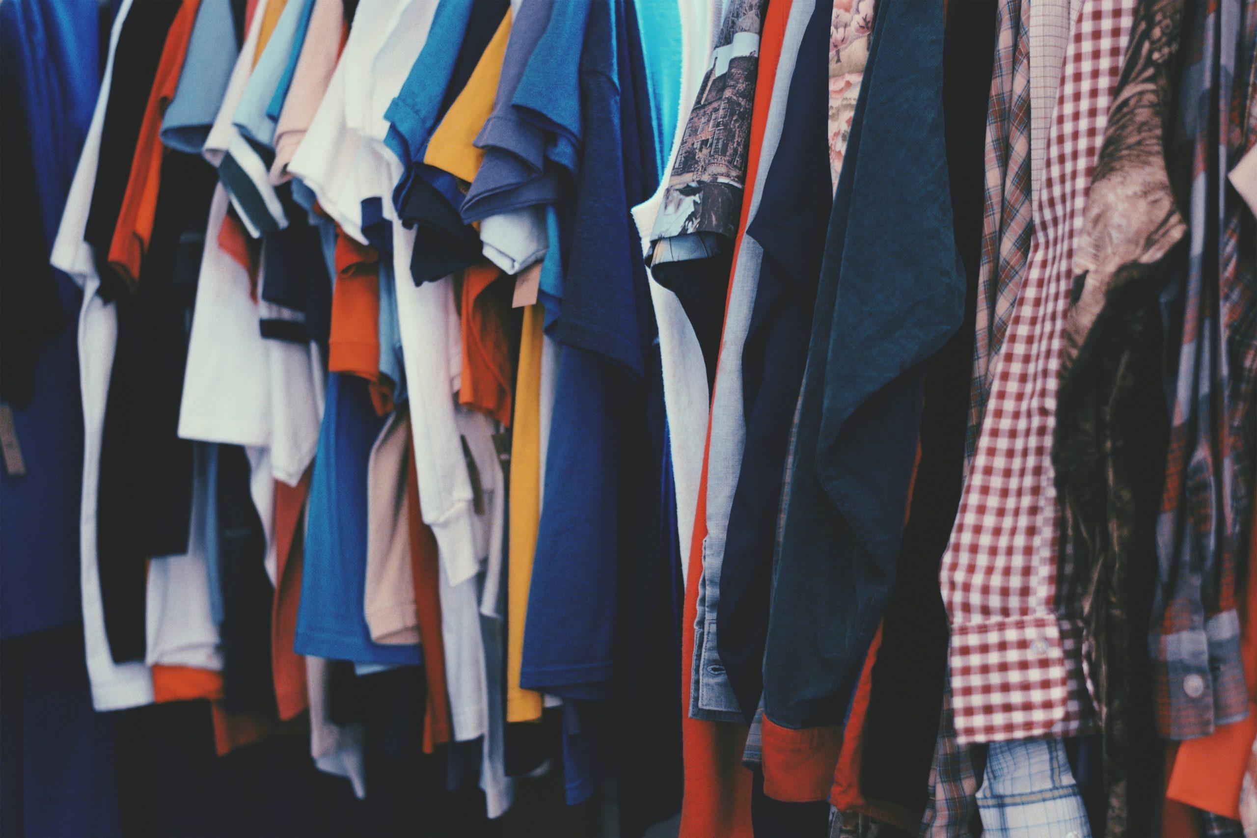 Sinnvoll und richtig Kleider spenden? So geht's!